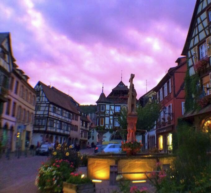 "<p><strong>The joyful, modern and traditional Alsace</strong><br /><br />Hervé and Christophe, in love with Alsace and its traditions, have decided to promote its image through traditional and quality products.<br />Wishing to highlight the friendly and modern side of the Rhine basin, they work as much as possible with small producers.<br /><br />This adventure began with the opening of a shop in Kaysersberg, a charming typical village, the birthplace of the Jeannala and Seppala brand. <br />Then they opened a second shop in Mulhouse Place de la Réunion, one of the most magical places in the city.<br /><br />All this led to the creation of their own brand of decoration, souvenirs, tableware... I named ""PRISE DE BEC"".<br /><br />This brand plays on Alsatian ""clichés"", and gives pride of place to one of the symbols of Alsace, the stork, all this with the help of regional artists and with the humour that characterises it.<br /><br />This internet shop aims to develop this brand, as well as all the products that the two creator friends have fallen in love with.<br /><br /></p>"